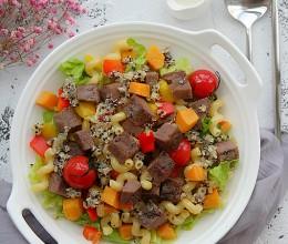 藜麦牛肉意面沙拉