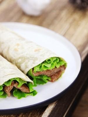 电饼铛食谱-烤里脊肉全麦卷饼