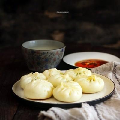 金钩金菇鲜韭鸡蛋生煎包