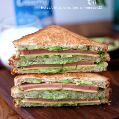 《牛油果三明治》