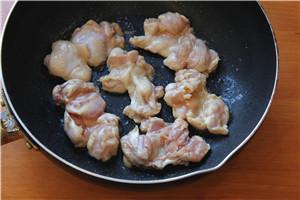 中式汉堡照烧鸡腿肉夹面饼