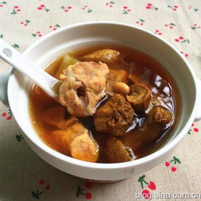 暖心暖胃防燥補水-干松茸排骨湯