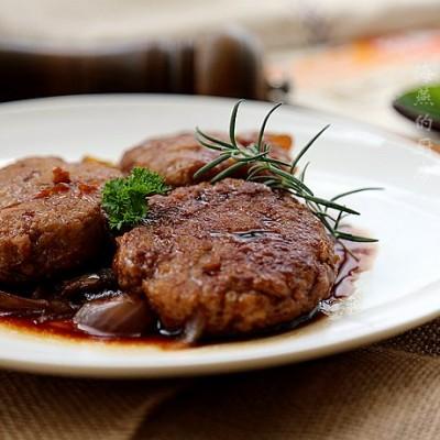 北欧风情牛肉饼