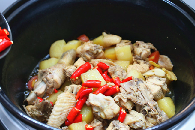 土豆辣椒烧鸡