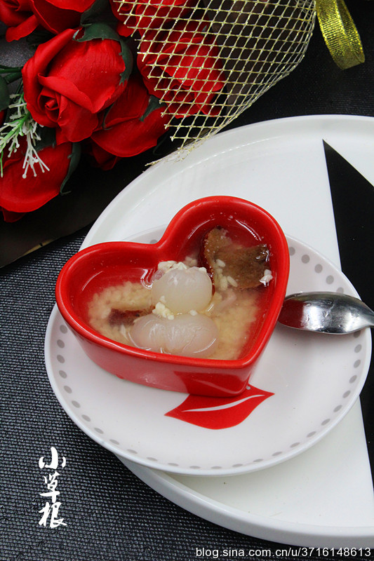 补气补血丰胸的好甜品—酒酿桂圆红枣汤