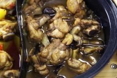 香菇鸡肉锅&香辣鸡肉锅