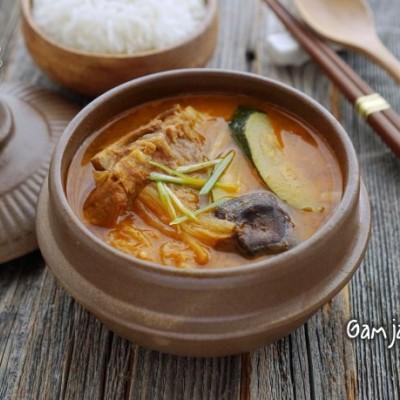 韓式土豆骨頭湯