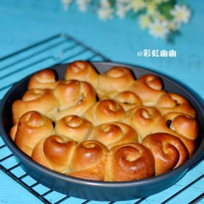 核桃提子花朵面包