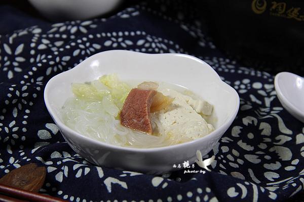 白菜豆腐粉丝煲