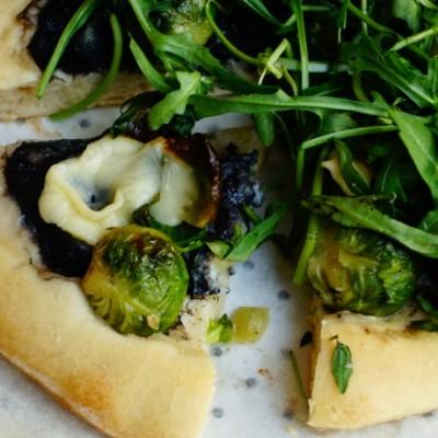 孢子甘蓝芝麻菜披萨