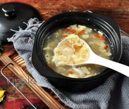 冬日润肺生津甜汤-百合蛋花汤
