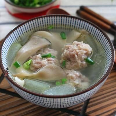 冬瓜鲜菇肉丸汤