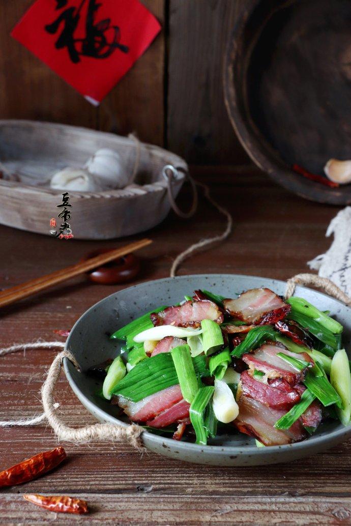 蒜苗爆腊肉
