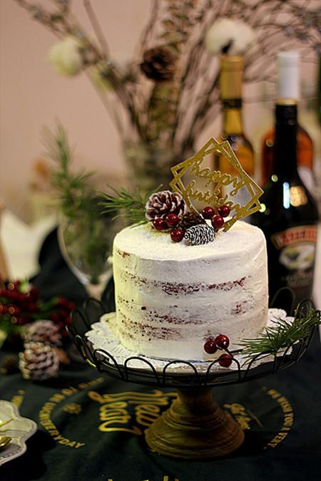 红丝绒生日蛋糕
