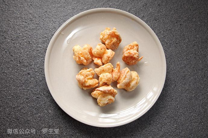 鲜橙腰果沙拉酥虾