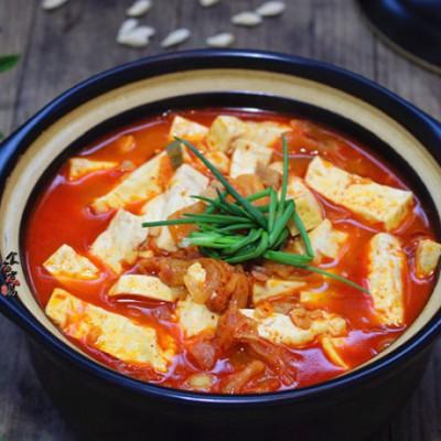 泡菜汤炖豆腐