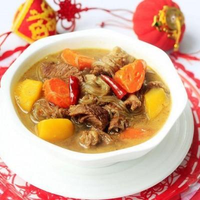 胡萝卜牛肉炖粉条