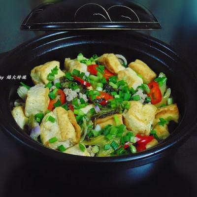 年夜饭-酸菜黄金豆腐煲