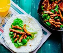 营养早餐-黑椒牛柳卷