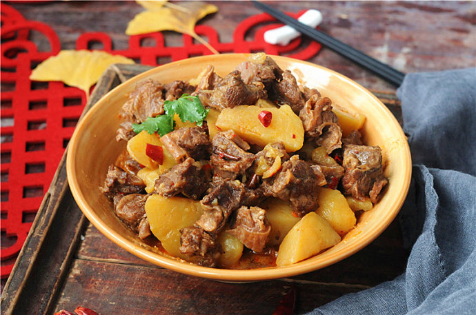 土豆牛肋排