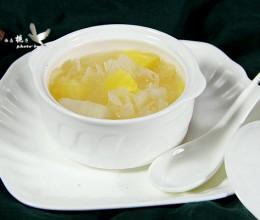 银耳菠萝甜汤