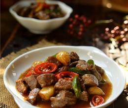 #新春悠享家#蒜香牛肉粒-鲜嫩多汁的年菜快手小炒