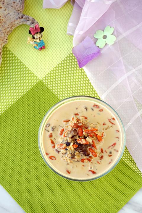 #新春悠享家#元肉枸杞牛奶麦片粥