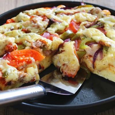 洋蔥雞胸肉腸仔披薩