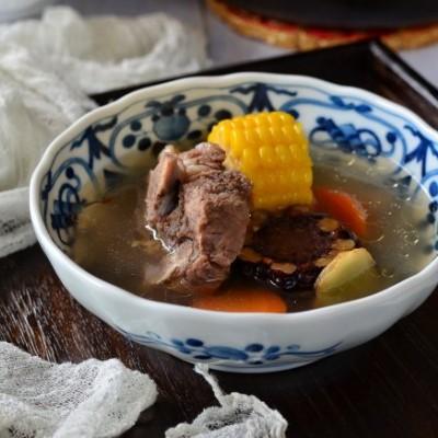 牛脊骨玉米湯