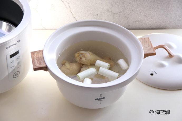 滋补汤-山药炖鸡腿
