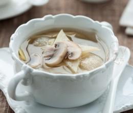 竹荪鲜蘑茭白汤