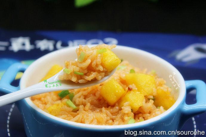 菠萝海鲜饭
