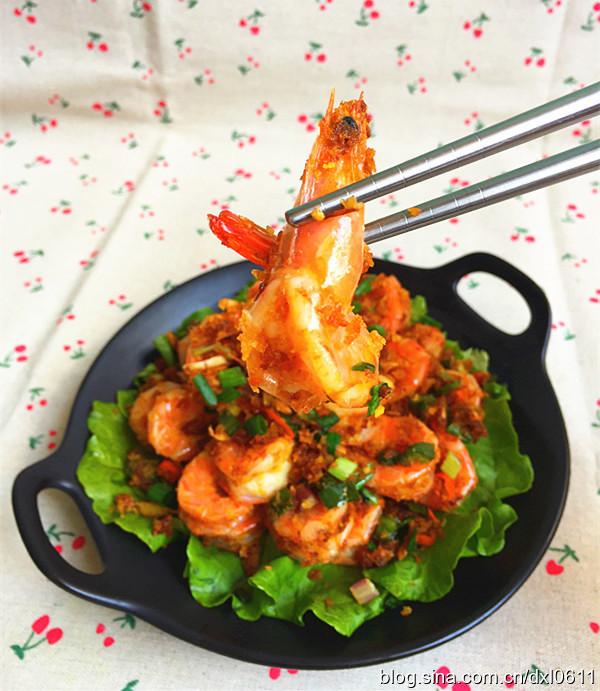 港式茶餐厅的人气料理-避风塘炒虾