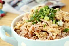 #新春悠享家#黑椒鸡肉焖红米饭