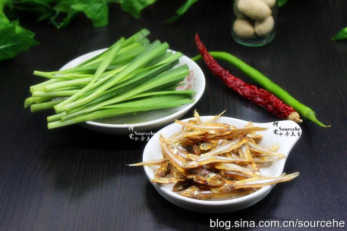 护肝提神-韭菜炒河鱼干