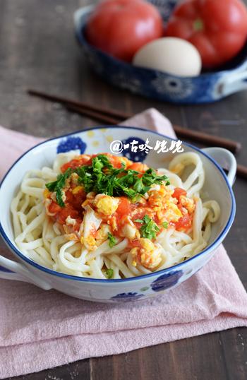 【西红柿鸡蛋拌面】:吃不够的家常饭