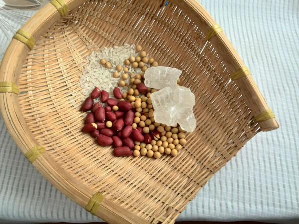 破壁机花生豆米养生粥