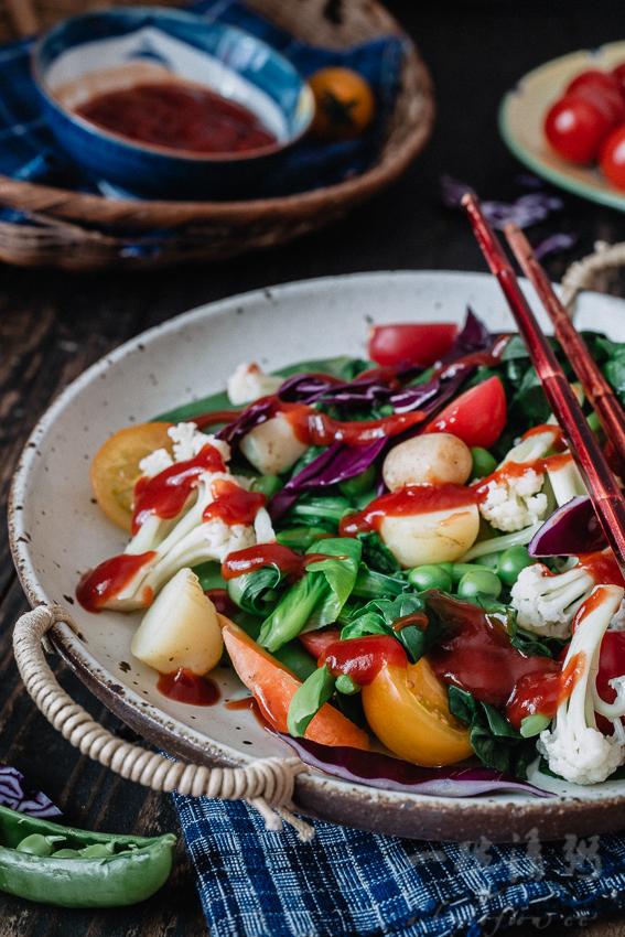 吃吃草清清肠让身体轻松起来——时令蔬果沙拉