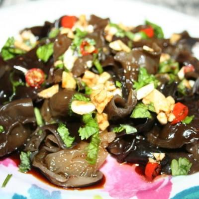 【凉拌黑木耳】--#清脆爽口的小菜#