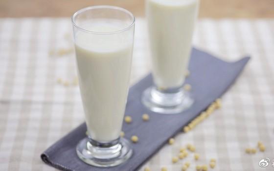 燕麦牛奶豆浆