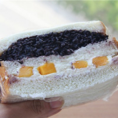 网红黑米芒果奶酪三明治