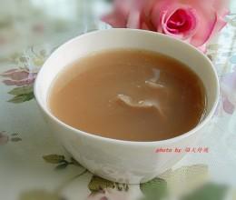 祛湿清热,强筋活络-牛大力土茯苓猪骨汤