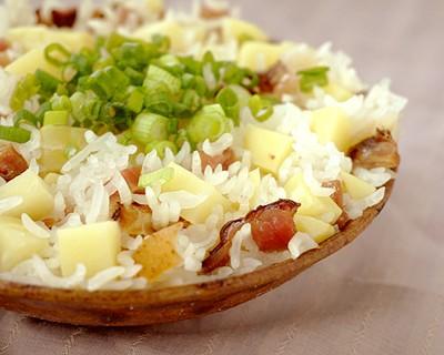 腊肉土豆蒸饭
