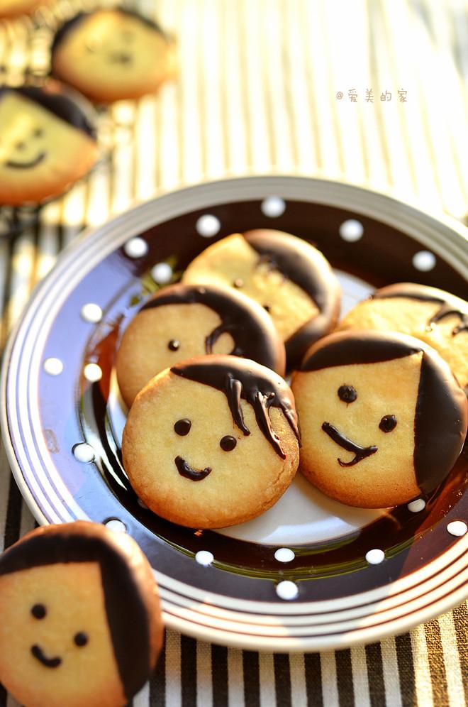 卡通娃娃饼干---儿童节和宝贝一起做着玩