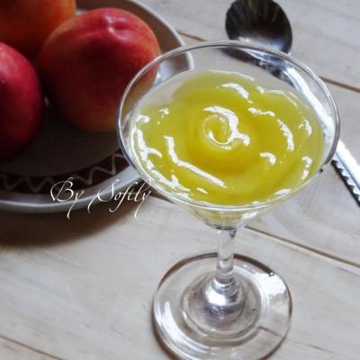 油桃果冻杯