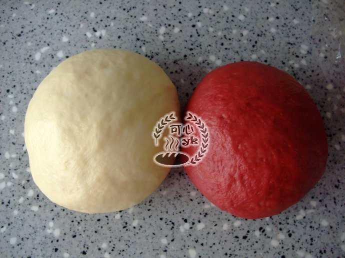 红曲双色淡奶油金丝卷包