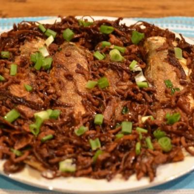 梅干菜烧黄鱼