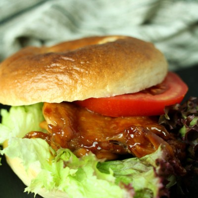 照烧鸡排贝果三明治