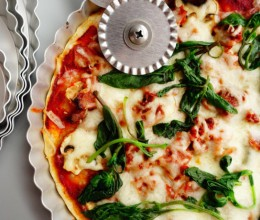 鲜蘑培根薄底披萨
