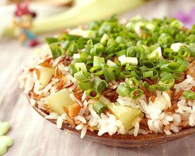 電飯煲壇子肉蒸紅米飯